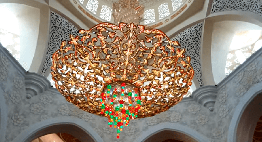 One of World's Largest Chandelier - Sheikh Zayed Grand Mosque